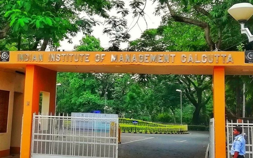 IIM Calcutta to Introduce Advanced Program in FinTech and Blockchain