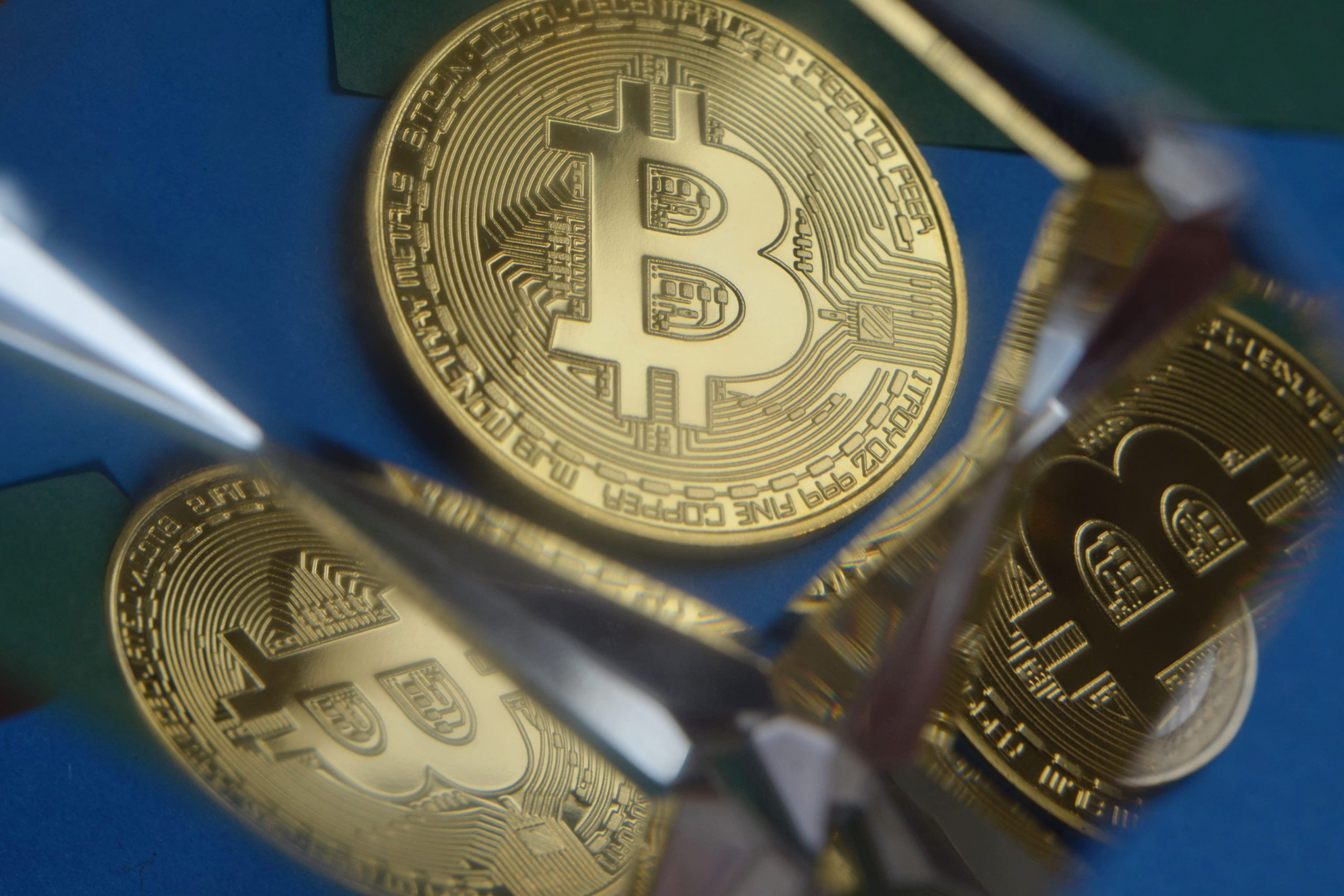 """Traders return coins to exchanges as Bitcoin moves lower, with CryptoQuant expecting a """"small"""" retracement below $9,000."""